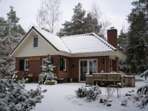 villa-in-de-sneeuw